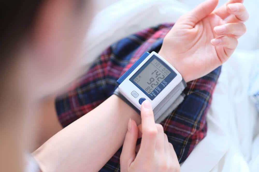 人工植牙危險族群:高血壓